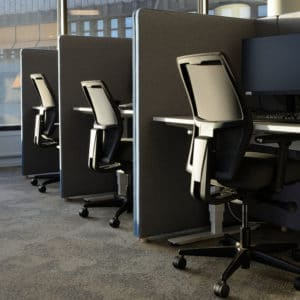Advantages and Disadvantages of Cubicles in Office Spaces