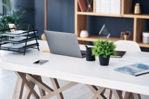 How to Choose the Best Desk for Your Office